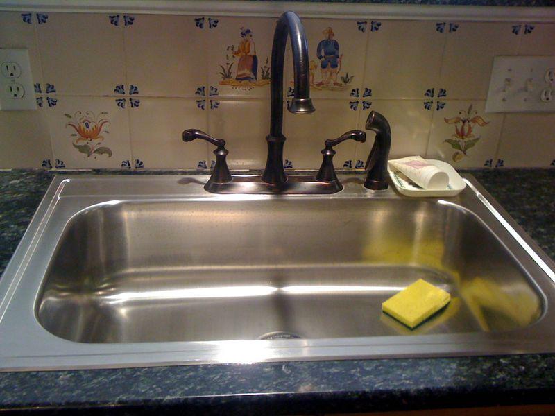 8 Standish sink