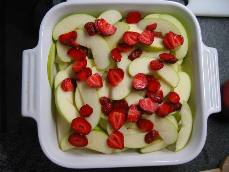 Apple_strawberry_crisp